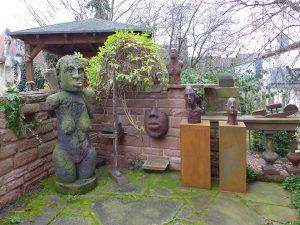 Eva im Garten